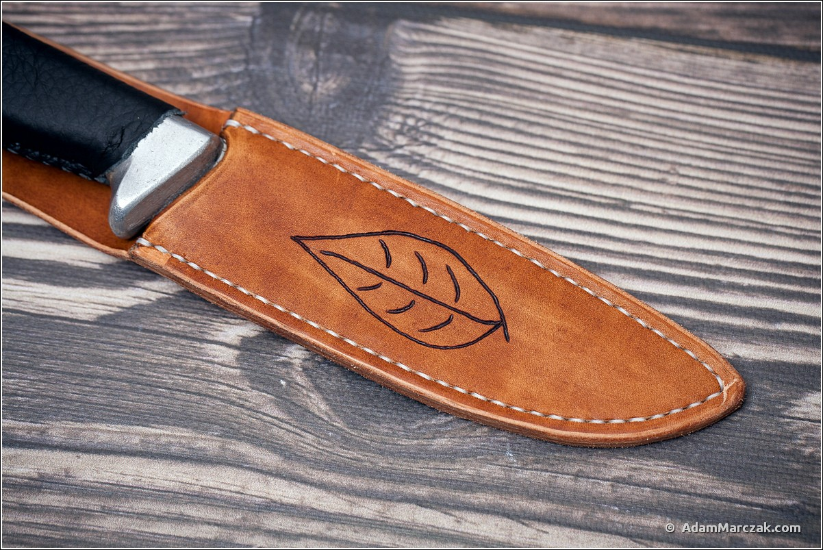 http://www.adammarczak.com/galeria/galleries/2017/20170400_miandas_knife_sheath/20170400_miandas_knife_sheath_0007.jpg
